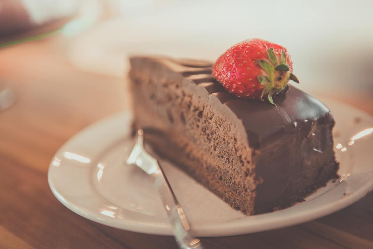 cukr, čokoláda, jahody