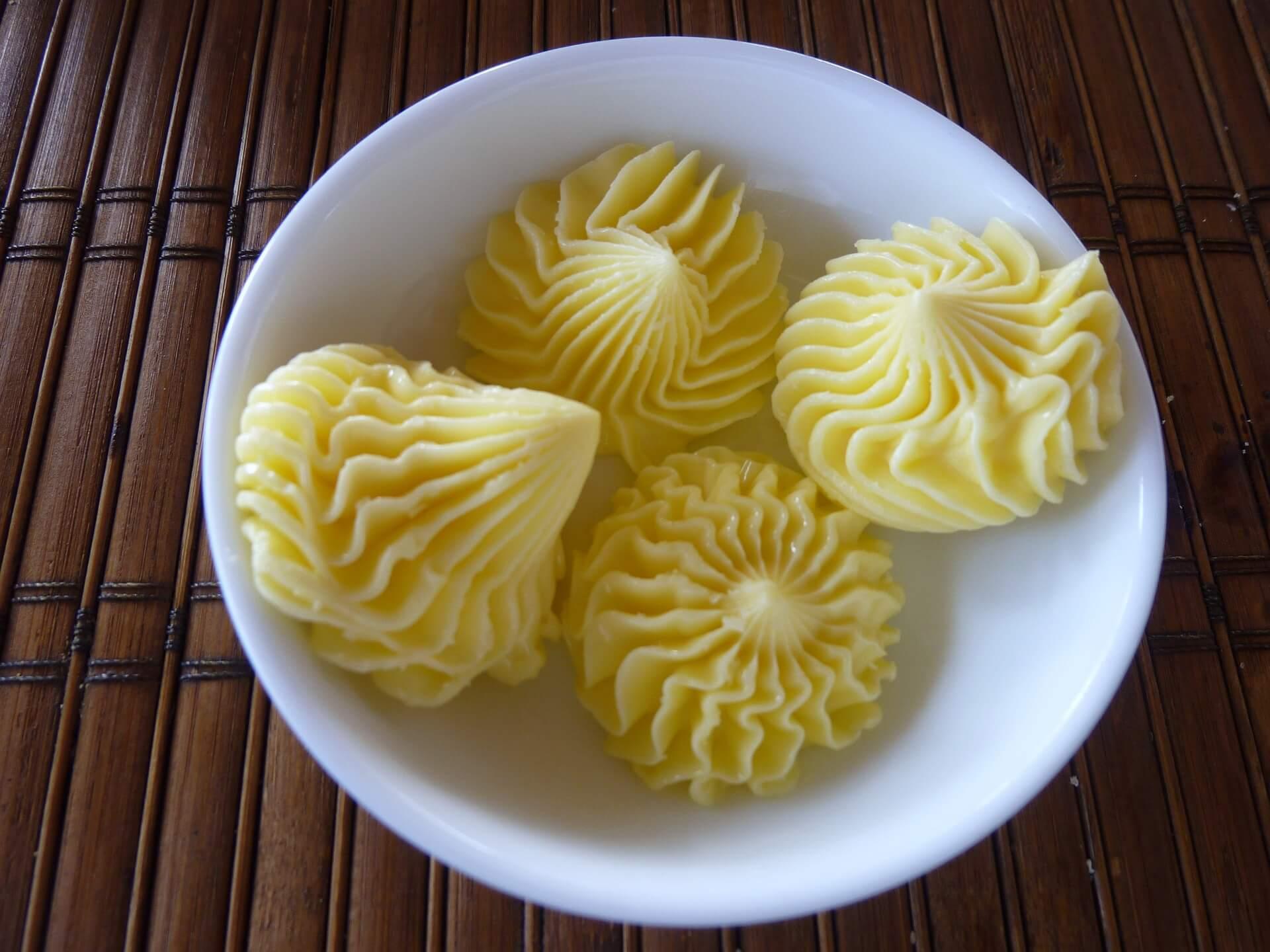 máslo nebo margarín